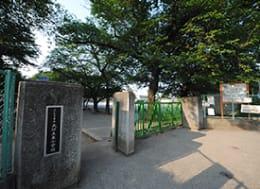 大砂土東小学校(徒歩5分)