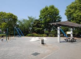 堀崎中央公園(徒歩3分)