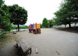 赤堀公園(徒歩7分)