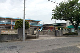 春岡幼稚園(徒歩約1分)